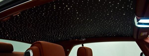 звездное небо в автомобиле