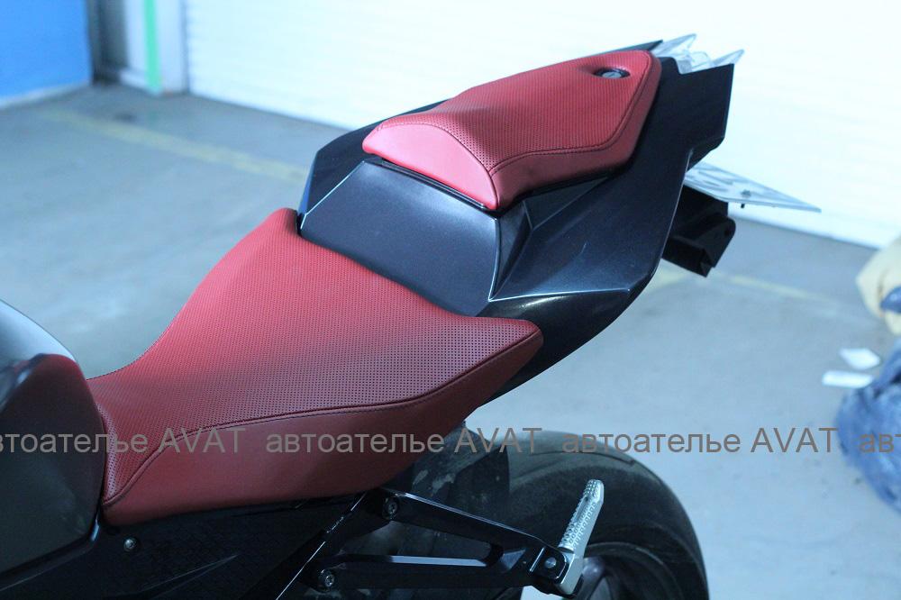 Перетяжка сиденья мотоцикла BMW S 1000