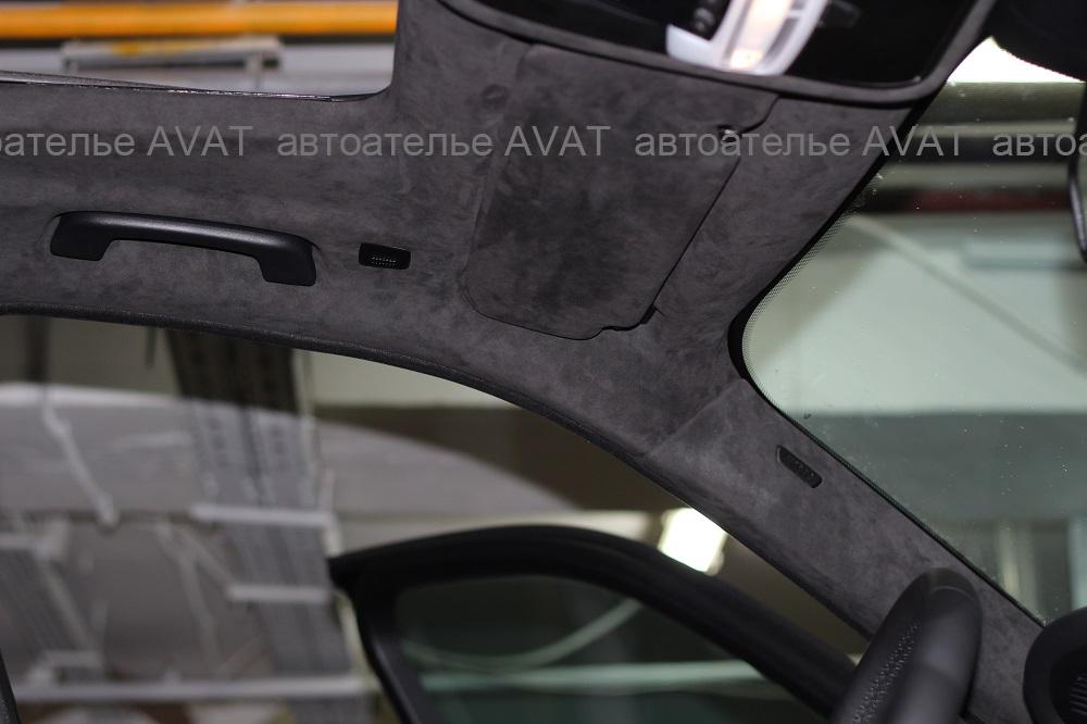 перетяжка алькантарой потолка автомобиля