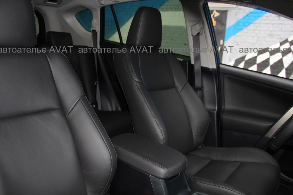 Перетяжка кожей nappa Toyota RAV4