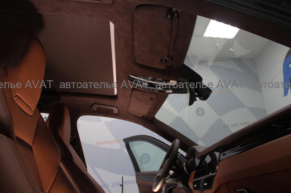 перетяжка алькантарой потолка Porsche Cayenne