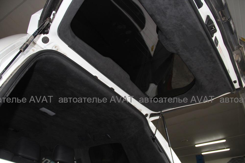 перетяжка двери багажника лексуса алькантарой