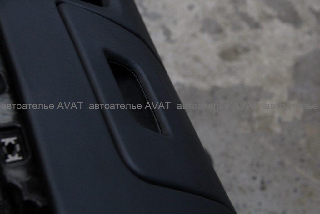 Перетяжка торпеды на AUDI Q8 натуральной кожей nappa