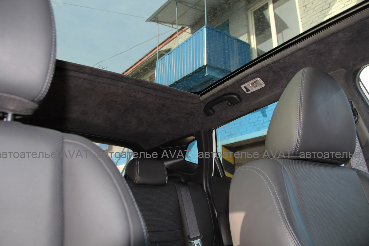 Перетяжка потолка Nissan Qashqai алькантарой