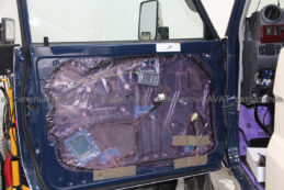 шумоизоляция дверей toyota LC 78 с завода