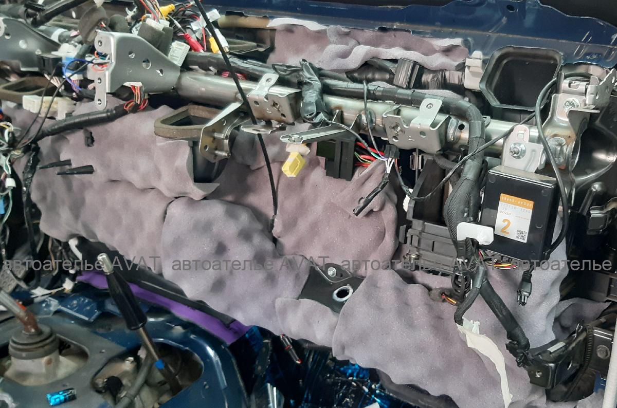 шумоизоляция моторного щита Toyota Land Cruiser 78 виолоном