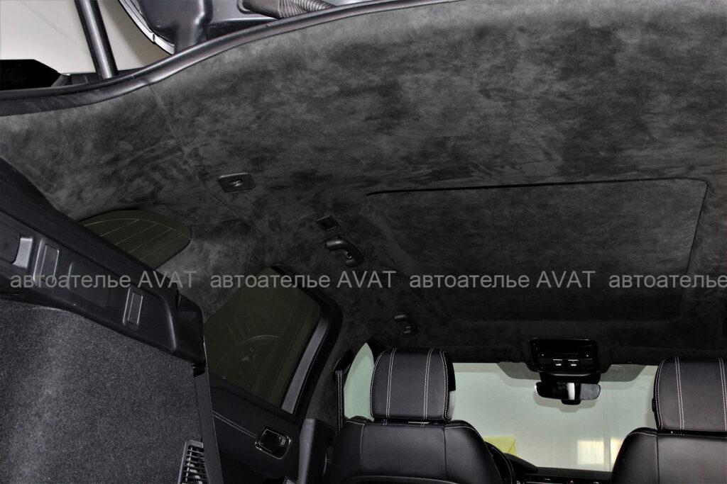 перетяжка алькантарой потолка с панорамой Range Rover Velar