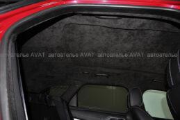 потолок и шторка панорамы в алькантаре на Range Rover Velar